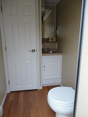 Toilet Washroom Rental Portable Mobile Toilet